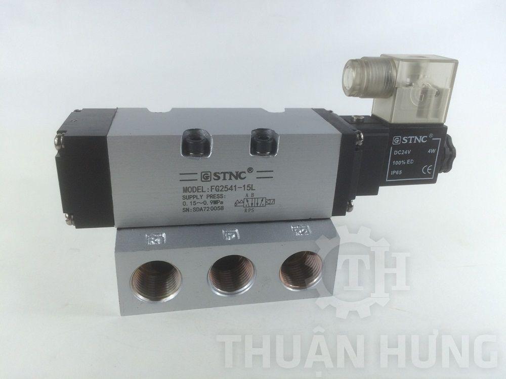 Mặt trước của van điện từ khí nén STNC FG2541-15L